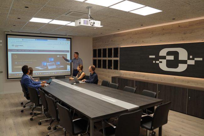 Control Group - Equipo reunión de trabajo